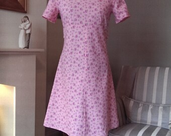Lovely Pink Rose Print Vintage Style Shift Dress UK 10