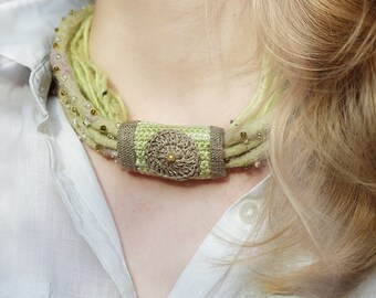 Necklace felted-Necklace pistachio mint lime color-boho accessory-handmade jewerly-Necklace with linen-jewerly with beads