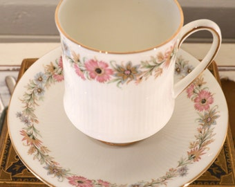 paragon china cup and saucer, 'belinda'