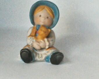 Holly Hobby porcelain figurine with her teddy bear 70's