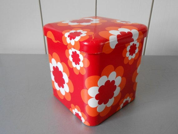 Vintage 1970s square tin canister, container with flower print in red, orange and white. MASSILLY. Made in France.