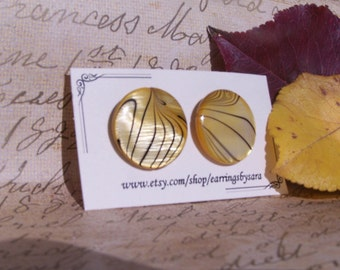 Flat Yellow Stud Earring - Large Tiger Stripe