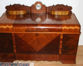 Lane Art Deco Cedar Waterfall Hope Chest with Clock/Hope Chest/Cedar Chest/Bedroom Storage Chest/Linen Chest/Art Deco/Rare and Stunning!