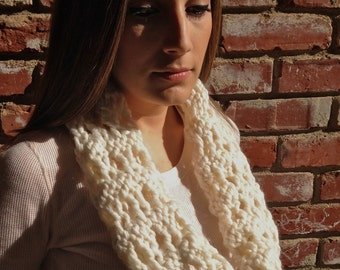 ON SALE Chunky Chain-Lace Cowl