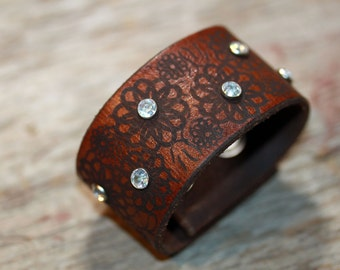Leather Cuff Brown Flower Etched