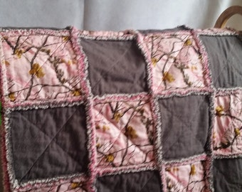 Pink Realtree Camo Rag Quilt
