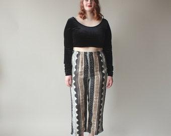 plus size pants / tribal print ankle pants / 1990s / XL