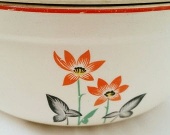 Universal Cambridge Covered Casserole Oven Proof Dish - Vintage red poppy flowers  -  Pottery Retro Kitchen - Housewarming Hostess gift