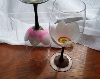 Magnolia Bloom Wine Glasses - Set of 4