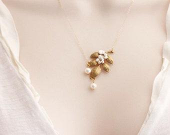 Gold Pearl Leaf Necklace , Leaf Wedding Necklace,  Freshwater Pearl Necklace 14 karat Gold Filled