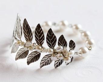 Silver Leaf Bracelet, Leaf Wedding Bracelet , Pearl Cuff bracelet, Pearl Bracelet, Leaf Branch Bracelet