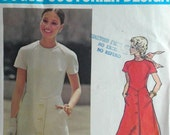 Vintage Mod Dress Pattern Valentino Vogue Couturier Design 2730 Designer Pattern Bust 34 Factory Folded