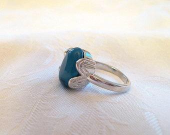 Vintage Faux Turquoise Cabochon Ring Silvertone Size 8