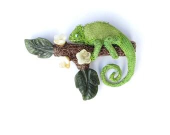 Chameleon brooch - crochet wire jewelry, lizard brooch, animal, large brooch, citrine, jade, chameleon jewelry, original jewelry, ooak