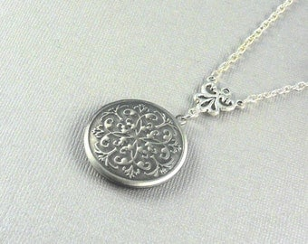 Round Silver Locket, Locket, Locket Necklace, Vintage Inspired, Pendant Locket, -  Sophia
