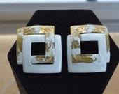 Pretty Vintage White, Gold tone Enamel Geometric Pierced Earrings, 70's (F15)