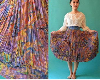 Vintage 80s High Waist Skirt / Bohemian Gypsy Skirt / Mod Artsy Print Micro Pleat Boho Skirt / Platinum 1980s Knee Length Ethnic Skirt S / M