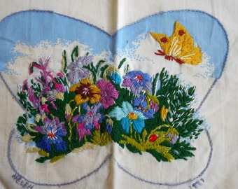 Butterfly Crewel  Wall decor panel c.1975 Columbia Minerva design widlflowers, wool yarn