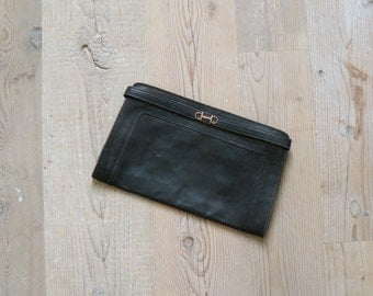 Vintage 1970s clutch. 70s black leather clutch