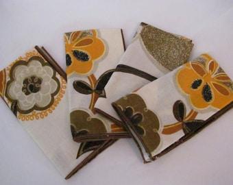 Set of 4 Unused Vintage Cloth Flower Napkins