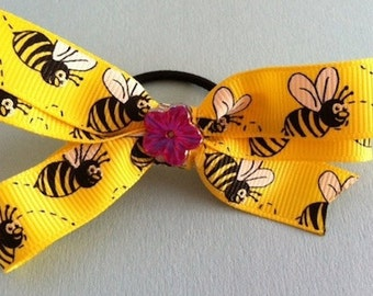 Bee's & Flowers Bow