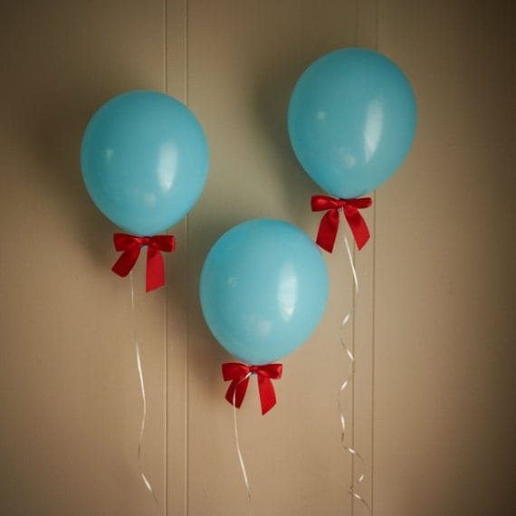 Airplane birthday party decoration ships in by for Airplane party decoration