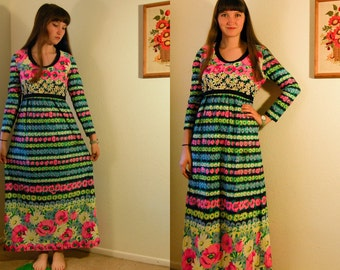 S/M Vintage 70s Bright Flower Maxi Dress