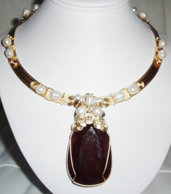 """CERTIFIED 325 ct Deep Red Ruby gemstone, 14kt yellow gold 18"""" Omega Necklace"""