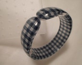 Vintage / GINGHAM LUCITE / Bangle / Bracelet / Cuff / Blue / White / Checkered / Embedded / Fabric / Mid Century / Retro / Rare / Accessory