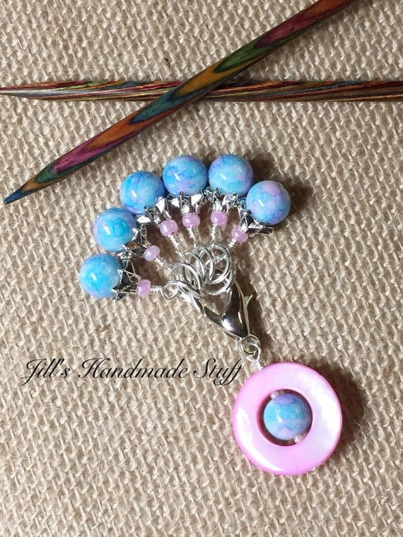 Using Stitch Markers In Knitting : Knitting Stitch Markers Pink & Blue Beaded Stitch Marker