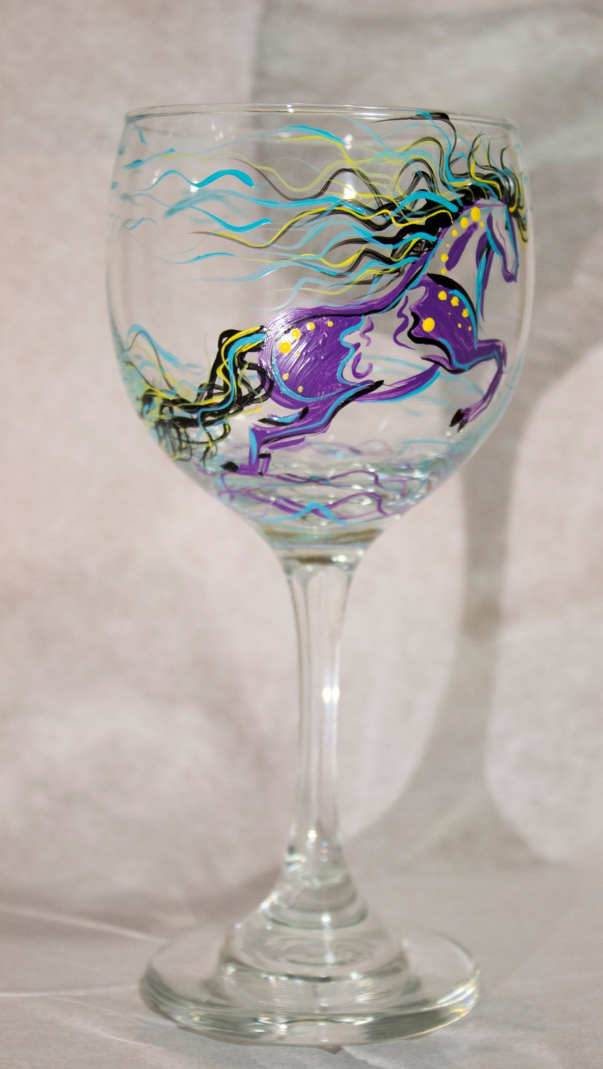 Wine glass horse painted wine glass hand painted horse Images of painted wine glasses