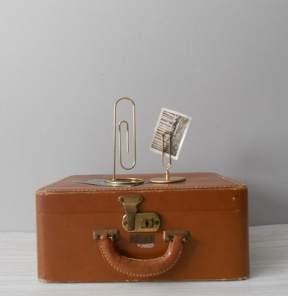 large vintage gold metal paperclip photo stand / 1 paper clip