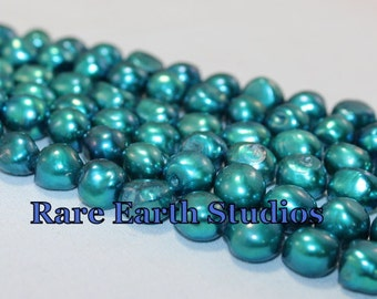 Teal Green Fresh Water Pearls 60315077