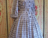 1950s Vintage Novelty Print Dress / Neoclassical Scenes / Shirtwaister Day Dress / Full Skirt / by Continentals / S Small / 26 27 Waist