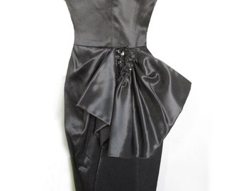 1940s Black Quilted Taffeta Scoop Neck dress with hip Peblum / Bow, detailed with Sequins / wiggle skirt