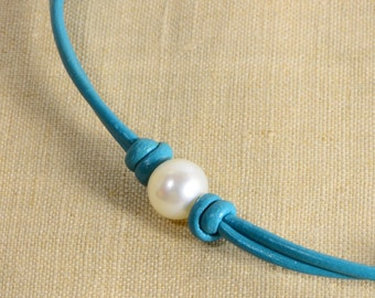Pearl  Necklace Pearl and Leather Choker Necklace Big Pearl Necklace Pearl Necklace On Leather Cord Knotting Leather Necklace
