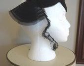 Vintage Hat, Retro Hat, Derby Hat, Womens Accessories, Boho style, French vintage, 1940s Black Woven Fascinator with netting