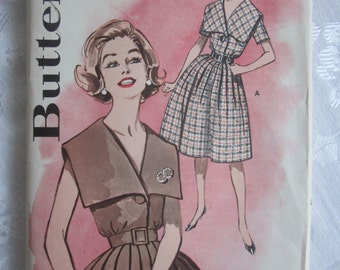 Butterick Vintage late 1950s or 1960s Pattern 9689 Dress with Shawl Collar sz 14 B 34, Pleated Skirt