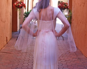 Blush Pink Short Fingertip Wedding Veil - Bridal Veil - English Net Veil - Peach or Champagne Simple Wedding Veil - Ivory Veil - Berlin
