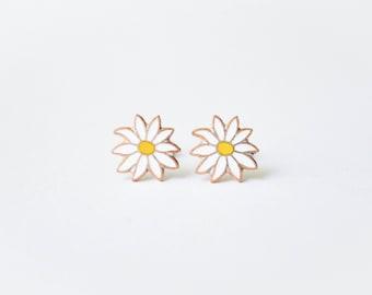 White Daisy Earrings - Vintage Enamel Earrings - Flower Jewelry - White Jewelry - Surgical Steel Post Earrings - Stud Earrings