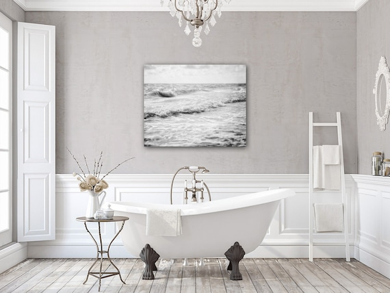 White Bathroom Decor – Black and White Bathroom Decor