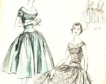 Vintage1950s Vogue 8596 dress  Size 12 Bust 30