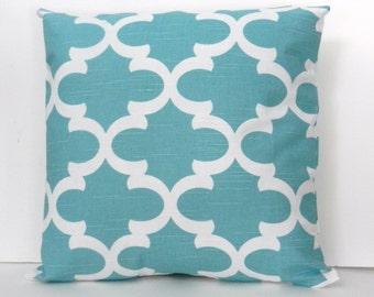 Quatrefoil Throw Pillow Cover Blue and White, linen look slub home dec fabric, 18 x 18 inch with zipper closure