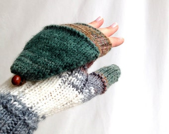 Green Knit Convertible Mittens / Knit Gloves / Fingerless Gloves / Christmas Mittens / Winter Accessories / Gifts For Her // senoaccessory