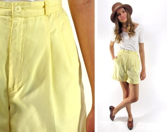 SALE - 80s High-Waist Pleated Shorts, Tailored Shorts, Boxy Shorts, Yellow Shorts, Preppy, Minimalist Shorts Δ size: sm