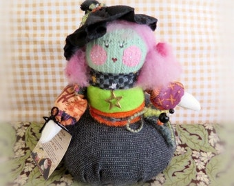 PINCUSHION Witch, HALLOWEEN Doll, Fall Autumn Pink Hair Ooak Soft Scullpture Handmade Handcrafted Art Doll CharlotteStyle