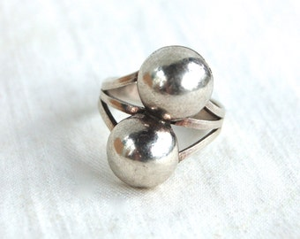 Southwest Dome Ring Size 7 .5 Vintage Sterling Silver Double Domes Southwestern Statement Jewelry