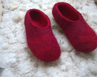 Lady in red – red felted slippers for ladies