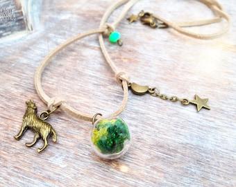Terrarium necklace. Woodland Wolf Bottle Necklace. Tiny Forest Terrarium Necklace. Nature glass orb necklace. Woodland necklace Gift for her
