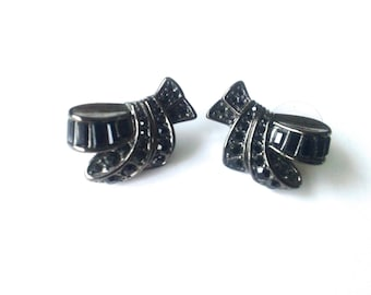 Carolee Black Rhinestone Earrings Japanned Metal Vintage Jewelry Fashion Accessory